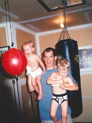 Curtis Dawkins with his children in 2003.
