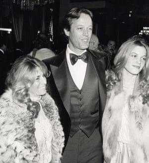 Fonda with his second wife, Portia, and daughter Bridget at the 36th annual Golden Globe awards on27 January 1979