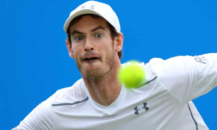 Andy Murray in action on his way to beating Marin Cilic.