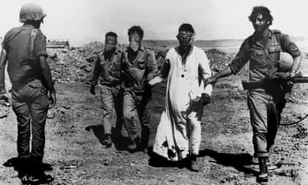 Egyptian solidiers captured by Israeli forces during the 1973 Yom Kippur war.