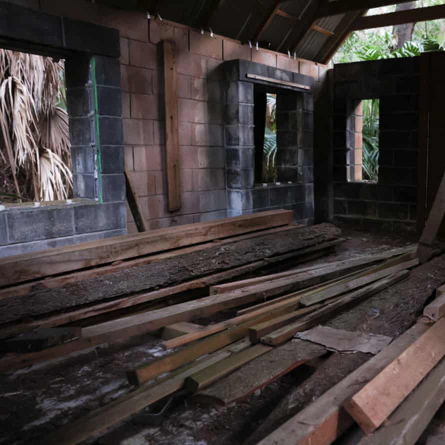 A structure in disrepair at Fantasy Glades