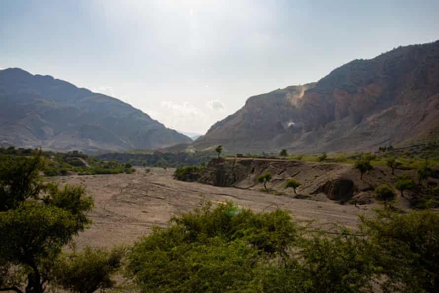 The dry riverbed near Charwazgi Mulankali village