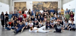 French art school students at a gallery