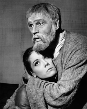 Paul Scofield as King Lear and Diana Rigg as Cordelia in King Lear, 1964