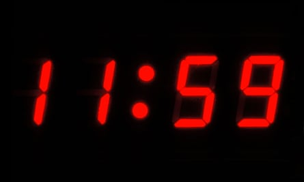 Clock showing 11:59