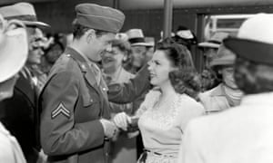 Judy Garland with Robert Walker in The Clock (1945).
