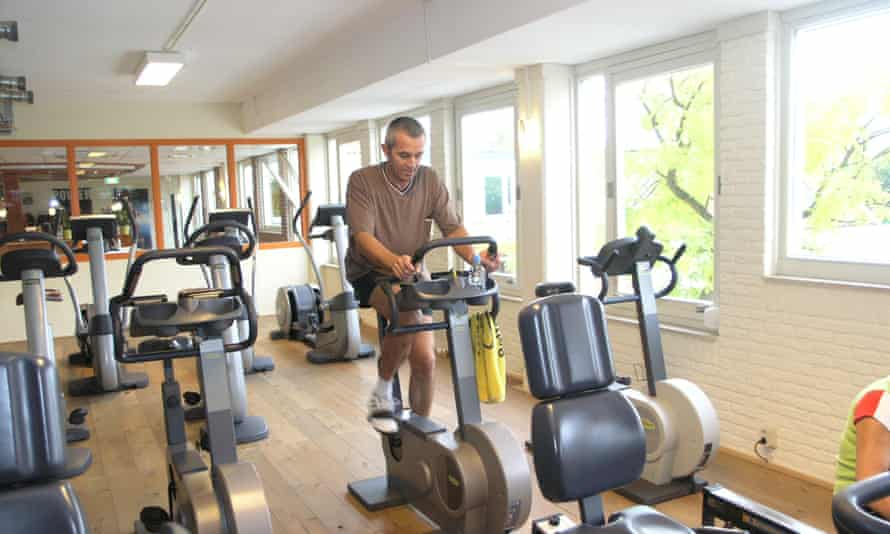 'Going to the gym quickly becomes tedious': what is behind our lack of resolve?