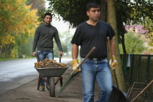 Mohamed and Sinjar receive a small allowance for the work