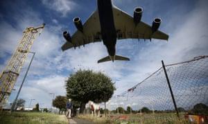 Passenger jet near Heathrow