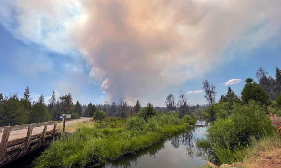 Smoke from the Bootleg fire billows near Sycan Marsh in Oregon.