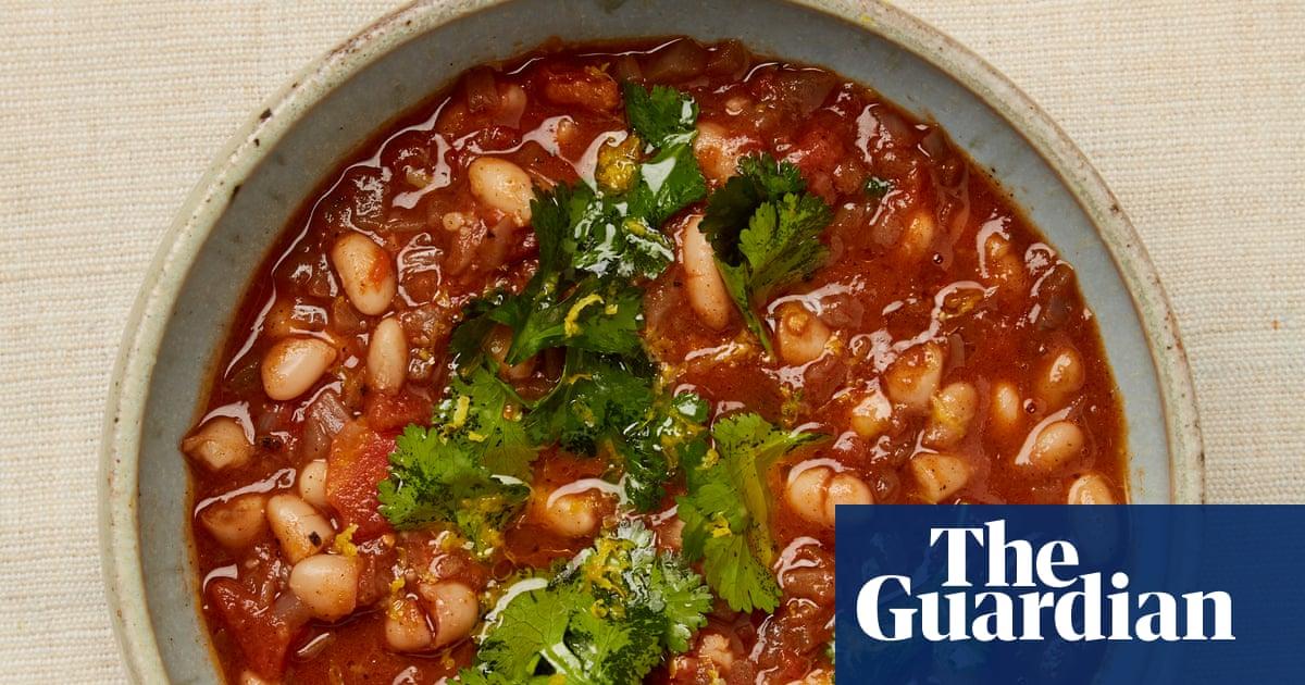 Meera Sodhas Recipe For Iraqi White Bean Stew The New