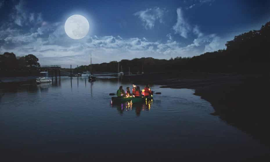Nighttime canoeing with ghost stories in the New Forest