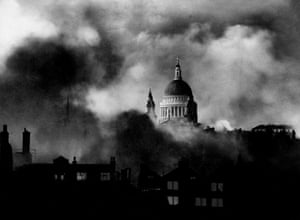 London, 1940  St Paul's Cathedral