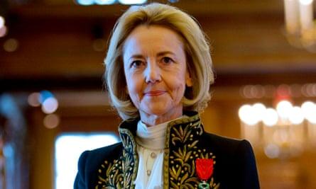Dominique Bona in her Académie Française suit.