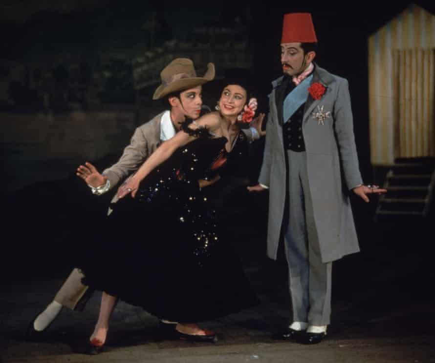 Depth … Robert Helpmann, left, Margot Fonteyn and Frederick Ashton in Les Sirenes, 1946, designed by Cecil Beaton.