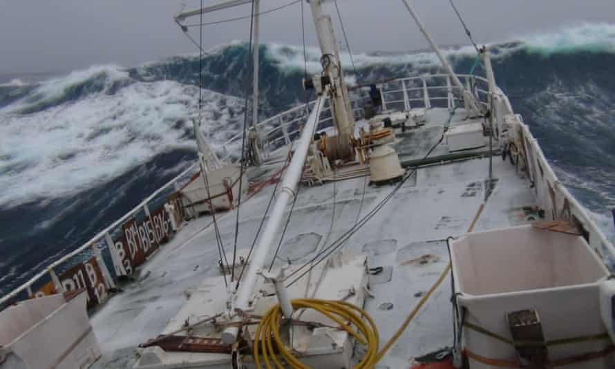 Heavy seas: the 33m Havsel heads north to the hunting fields.
