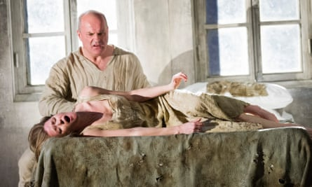 Barbara Hannigan and Christopher Purves in Written on Skin (2013).