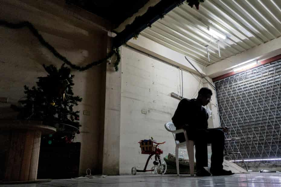 Dr. Estrada 60, in the garage bedroom he shares with four other exiled Nicaraguans in San José.