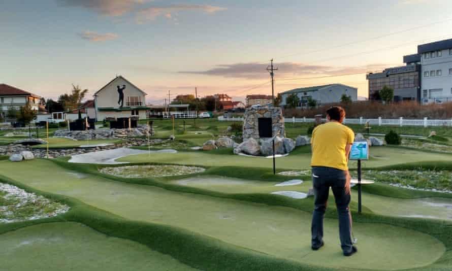 Pristina Golf.