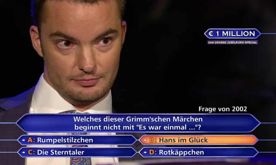 Jan Stroh answers questions on the quizshow