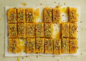 The cheesy snack: kanafeh.