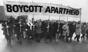 Protestors march on Twickenham to voice their opposition to the apartheid regime.