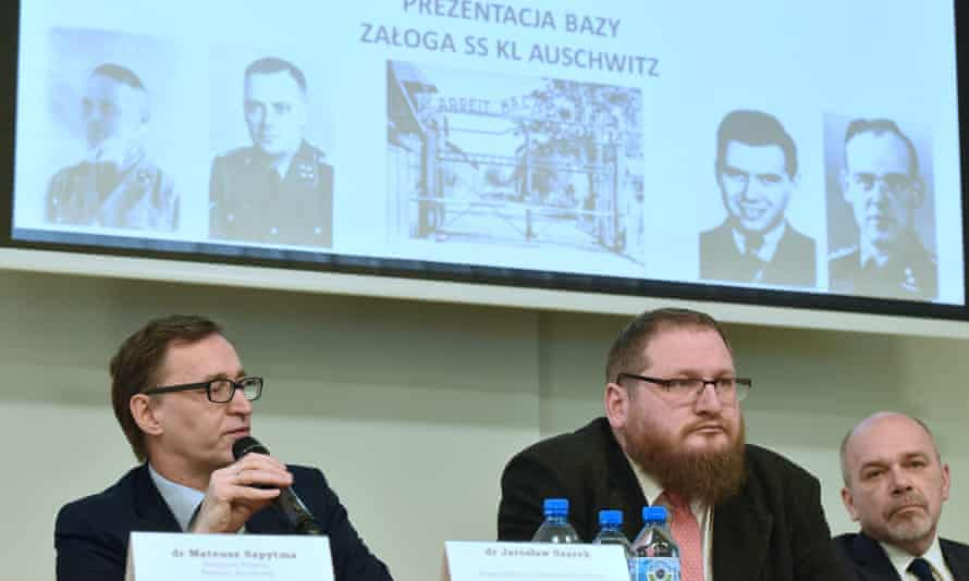 The head of the Institute of National Remembrance (IPN), Jaroslaw Szarek (left) with the director of the Auschwitz-Birkenau state museum, Piotr Cywinski