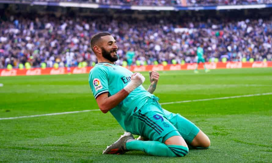 Karim Benzema helped Real Madrid keep the pressure on Barcelona with the second goal in their win over Espanyol.