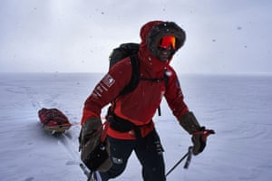 Richard Parks during his December 2018 attempt to traverse Antartica from Hercules Inlet to the South Pole.