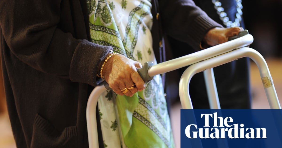 English care homes could lose 70,000 staff over mandatory Covid jab