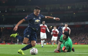 Manchester United's Alexis Sánchez beats Arsenal goalkeeper Petr Cech to score the opening goal as United win 3-1. United have won six matches at the Emirates, more than any other visiting side has managed since Arsenal moved there at the start of the 2006-07 campaign.