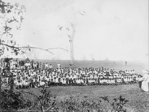 South Sea Islanders on Bingera Plantation, Bundaberg, Queensland, date unknown