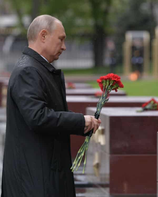 Vladimir Putin lays a Victory Day bouquet at the Tomb of the Unknown Soldier, Moscow, 9 May.