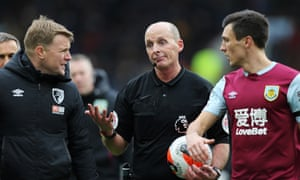 Referee Mike Dean is no stranger to criticism and was once the subject of a petition by more than 100,000 Arsenal fans calling for him to be forbidden from refereeing any more of their team's games.
