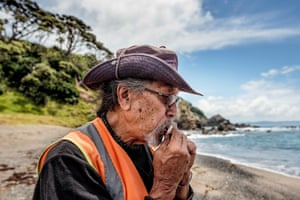 'What is the sea telling us?': Māori tribes fearful over whale strandings | Eleanor Ainge Roy | Environment | The Guardian