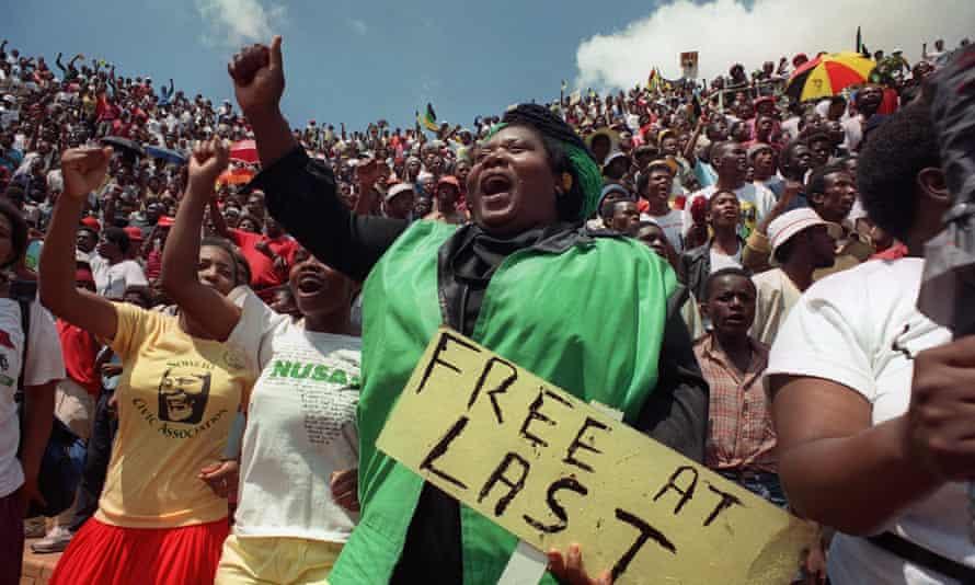 Sowetans hail Nelson Mandela's release in 1990