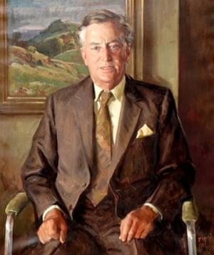 William Dargie's 1981 portrait of Joh Bjelke-Petersen is on sale for $20,000-$40,000.