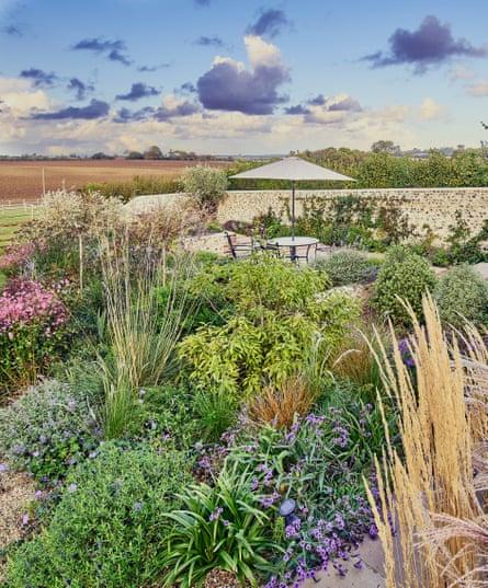 A walled garden designed by Juliet Sargeant
