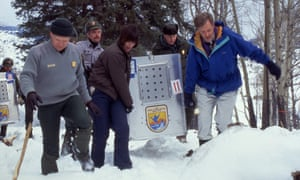 The first wolf arrives in Yellowstone at the Crystal Bench pen on 12 January 1995.