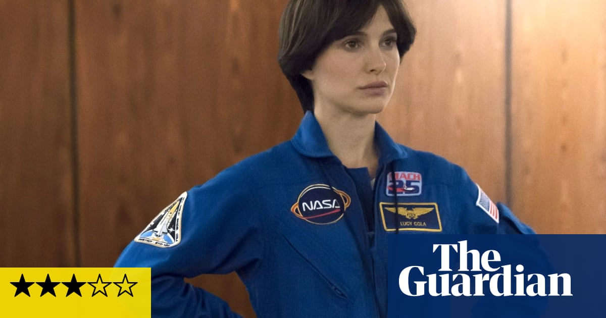 Lucy in the Sky review – Natalie Portman orbits a nervous breakdown