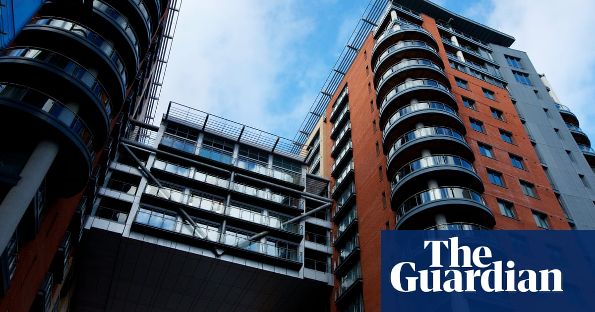 My solicitor has been slow dealing with my flat – can I switch?