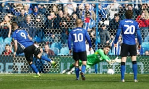 Steven Fletcher sees his penalty saved by Jed Steer