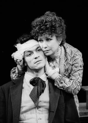 Felicity Kendal (Irina Arkadina) and Dominic West (Konstantin) in The Cherry Orchard, Old Vic Theatre.  1997