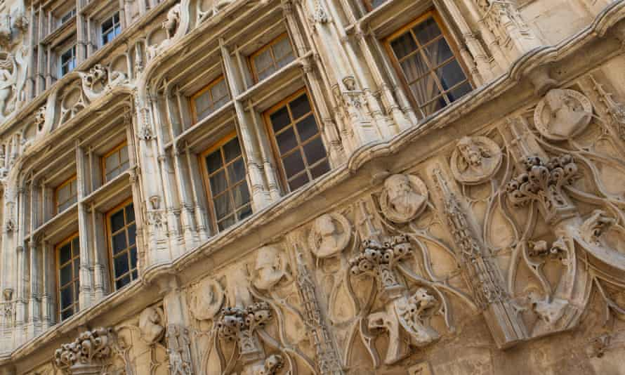 Carvings on Valence's Maison des Têtes.