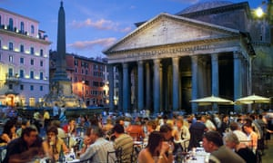 Piazza della Rotonda and the Pantheon with street cafes.
