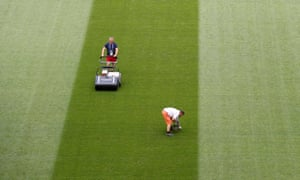 The pitch in Samara is being prepared.