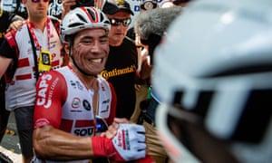 Caleb Ewan wins stage 11
