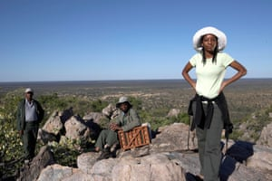 Botswana's number one lady seed detective Masego Kruger-Gaadingwe and colleagues Mathibidi Kooagile (with plant press) and Thuso Parabeng. Botswana's seed detectives collect rare and endangered specimens for safe keeping in Kew's Millenium Seed Bank, 2009
