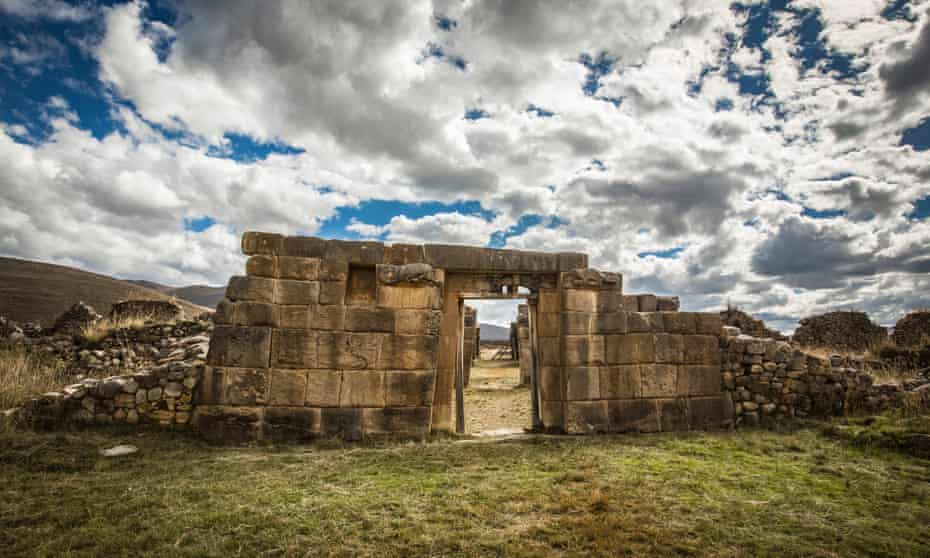 Some of the most impressive ruins on the way to Huanuco Pampa.