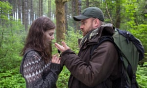Thomasin McKenzie and Ben Foster in Leave No Trace.